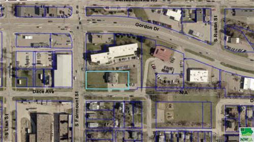 Tiny photo for 220 S Fairmount St, Sioux City, IA 51106 (MLS # 810542)