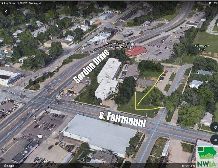 Photo for 220 S Fairmount St, Sioux City, IA 51106 (MLS # 810542)