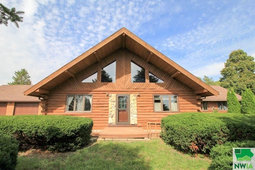 Photo for 11 NW 11th St., Pocahontas, IA 50574 (MLS # 806554)