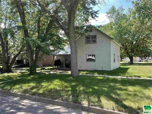 Photo of 911 Ave I, Hawarden, IA 51023 (MLS # 813558)