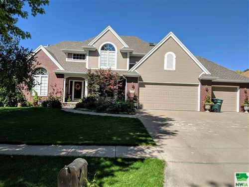 Photo of 5609 Lyons Ct, Sioux City, IA 51106 (MLS # 806589)