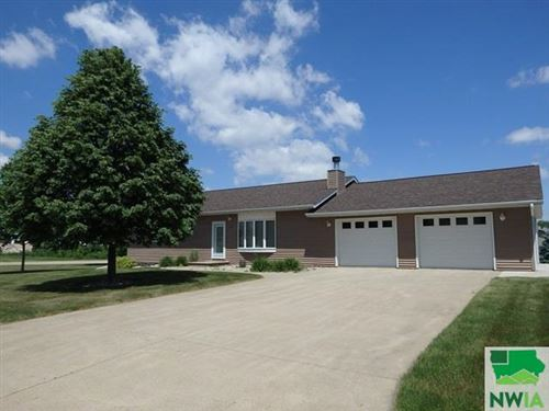 Photo of 216 11th Street NE, Sioux Center, IA 51250 (MLS # 807600)