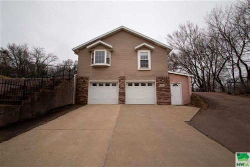 Photo of 1825 California Ave, Sioux City, IA 51103 (MLS # 808629)