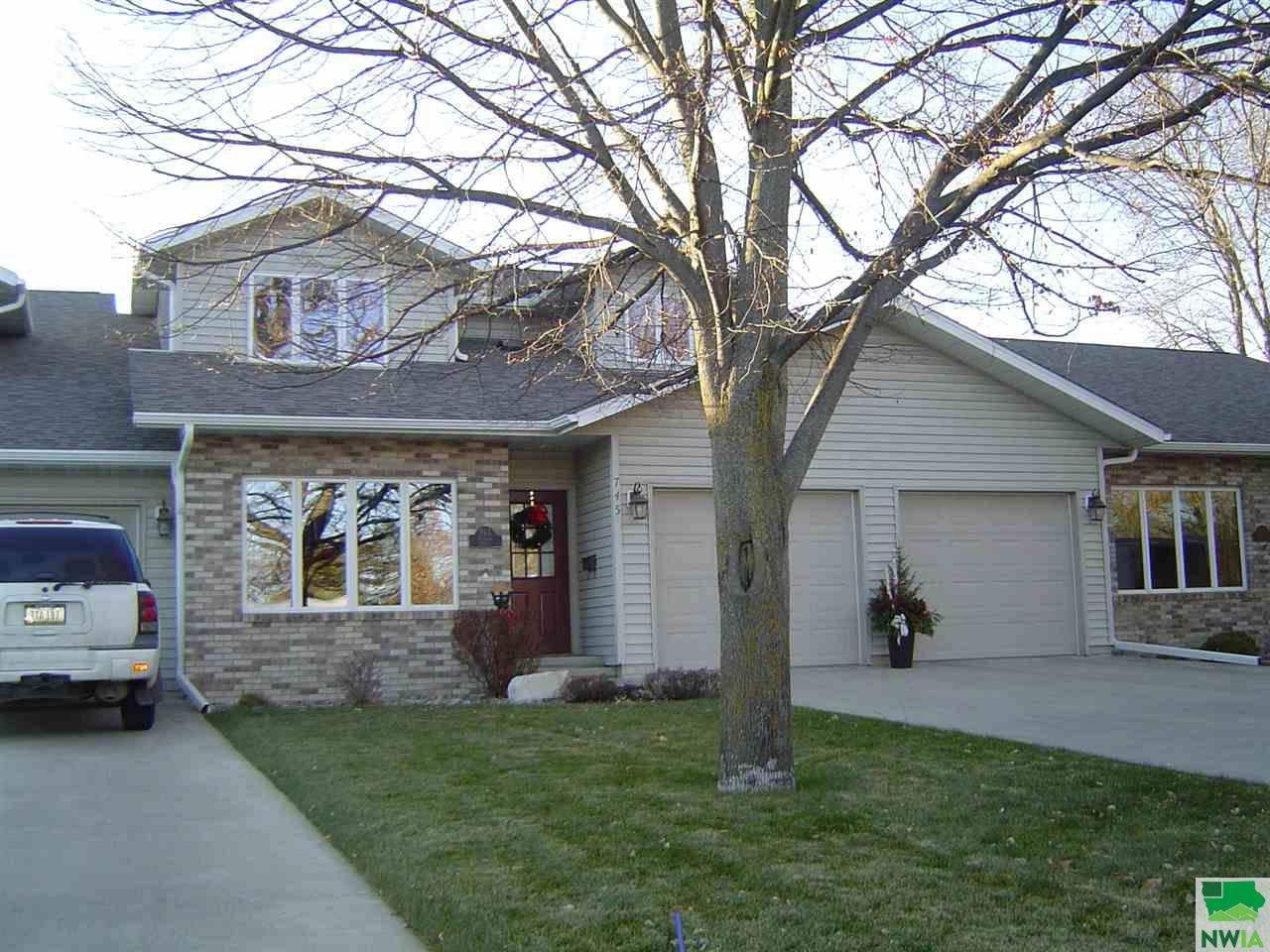 Photo for 745 4th Ave., Sioux Center, IA 51250-1803 (MLS # 811632)