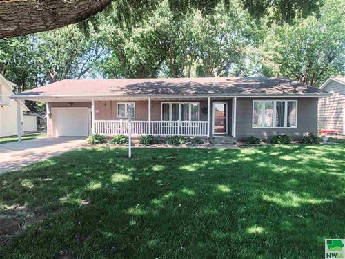Photo of 318 Iowa Ave SW, Orange City, IA 51041 (MLS # 809665)