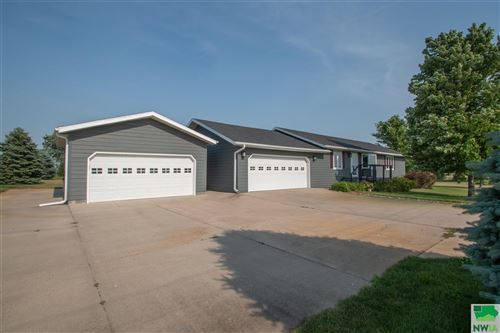 Photo of 33150 480th Ave, Jefferson, SD 57038 (MLS # 813665)