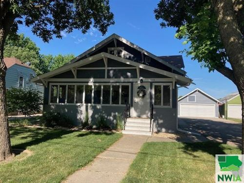 Photo of 1219 Division Street, Hull, IA 51239-7618 (MLS # 813727)