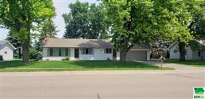 Photo of 500 7th St. NW, Sioux Center, IA 51250 (MLS # 805729)