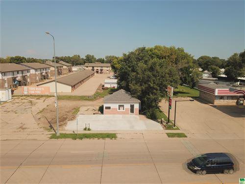 Photo of 820 E Cherry St, Vermillion, SD 50769 (MLS # 814729)