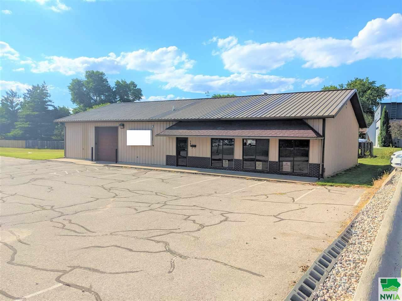 Photo for 309 W 26th St., Sioux City, IA 51104 (MLS # 813730)