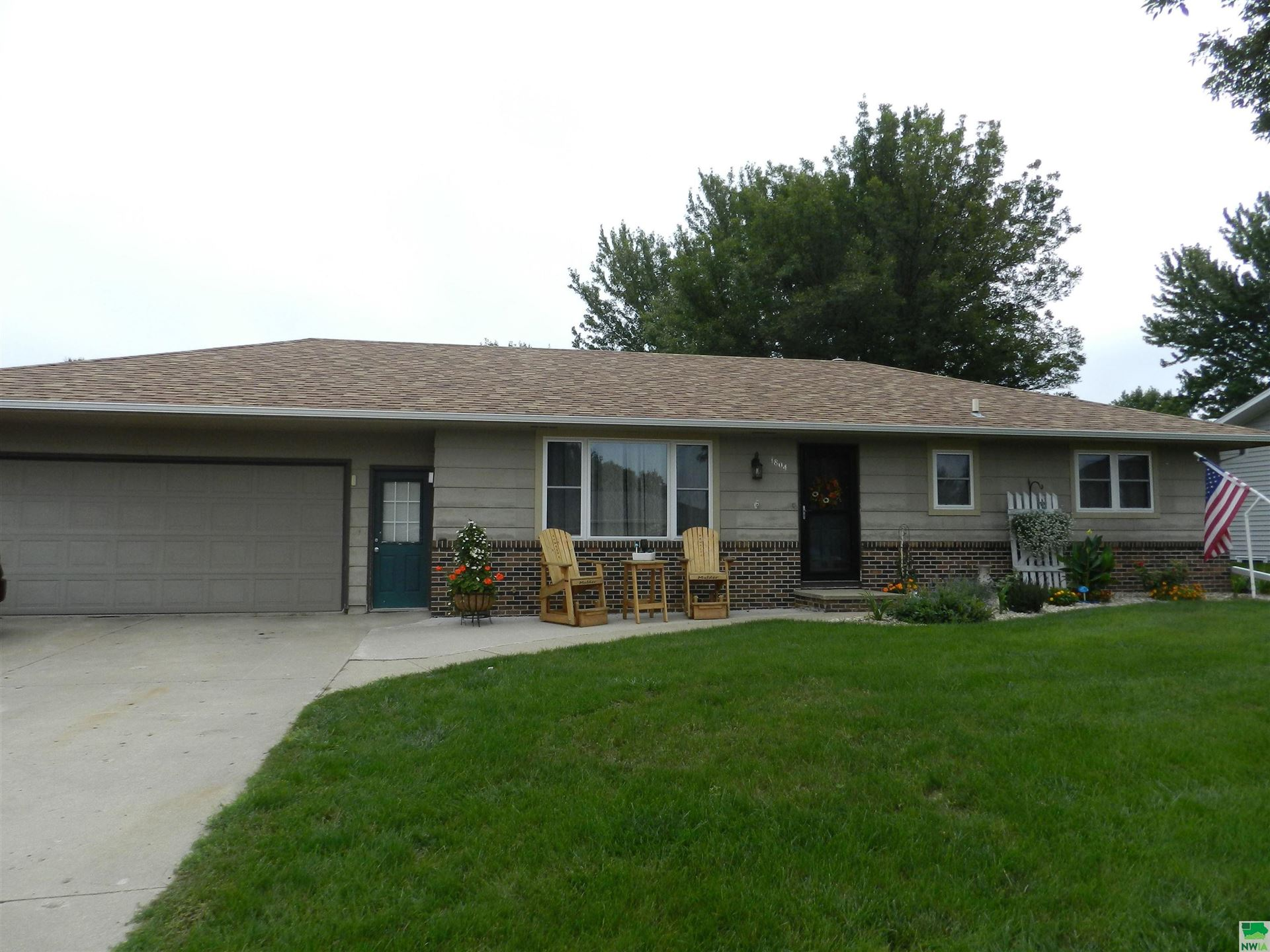 Photo for 1804 2nd Ave. SE, Sioux Center, IA 51250 (MLS # 814750)