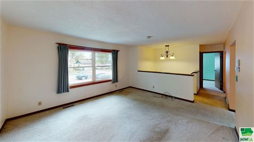 Tiny photo for 1008 Cottage Ave, Vermillion, SD 57069 (MLS # 810755)