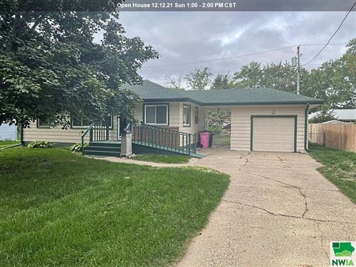 Photo of 2727 S Cypress St, Sioux City, IA 51106 (MLS # 814766)