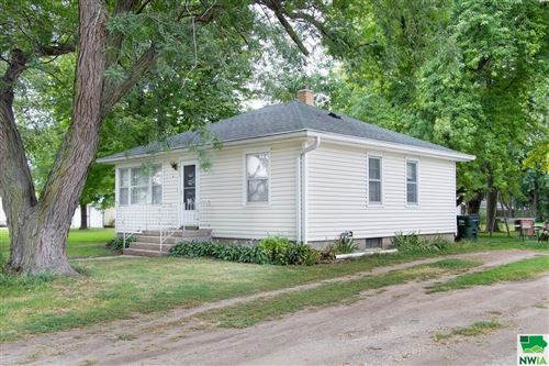 Photo of 913 Whittier St, Whiting, IA 51063 (MLS # 814772)