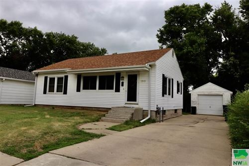 Photo of 1313 W 21st St., Sioux City, IA 51103 (MLS # 809797)