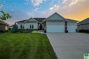 Photo of 174 Saddlebrook Ct, Dakota Dunes, SD 57049 (MLS # 805798)