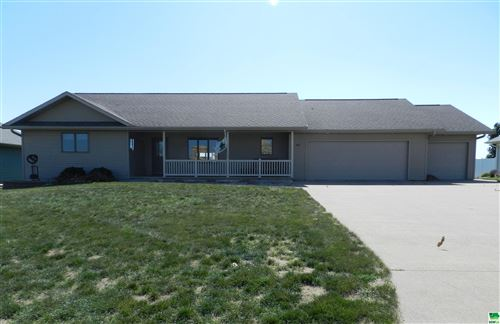 Photo of 845 16th St. SE, Sioux Center, IA 51250 (MLS # 814812)