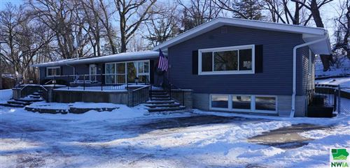Photo of 14 W 37th St Pl, Sioux City, IA 51104 (MLS # 807815)