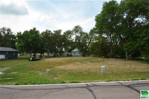 Photo of 1115 Military Rd, No. Sioux City, SD 57049 (MLS # 813826)
