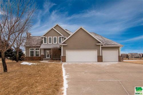Photo of 816 Brookside Dr, Jefferson, SD 57038 (MLS # 807838)