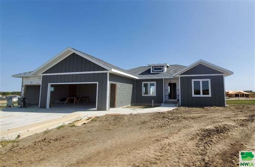 Photo of 1513 Juneau PL SE, Orange City, IA 51041 (MLS # 810842)