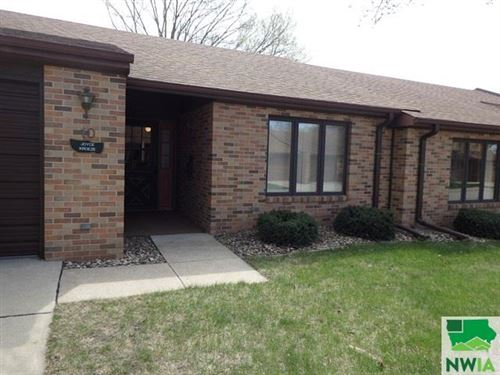 Photo of 10 Pioneer Court NW, Orange City, IA 51041-1646 (MLS # 812850)