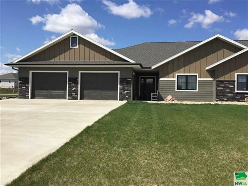 Photo of 814 11th Street SE, Sioux Center, IA 51250 (MLS # 808862)