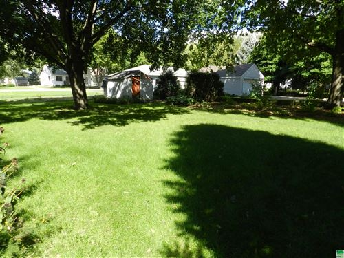 Tiny photo for 542 2nd Ave. NE, Sioux Center, IA 51250 (MLS # 814866)
