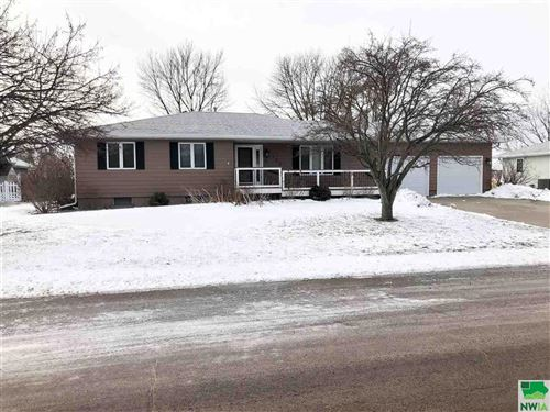 Photo of 306 E Lincoln St, Elk Point, SD 57025 (MLS # 811875)