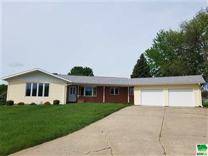Photo of 402 Amsterdam Drive SE, Orange City, IA 51041 (MLS # 803904)