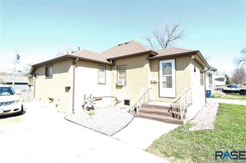 Photo of 611 S Hawthorne Ave, Sioux Falls, SD 57104 (MLS # 22102071)