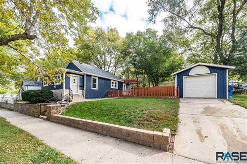 Photo of 718 N Sherman Ave, Sioux Falls, SD 57103 (MLS # 22106135)