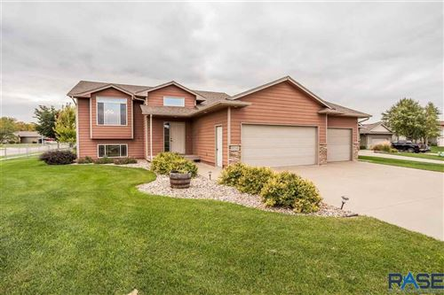 Photo of 5713 S Kerry Ave, Sioux Falls, SD 57106 (MLS # 22106153)