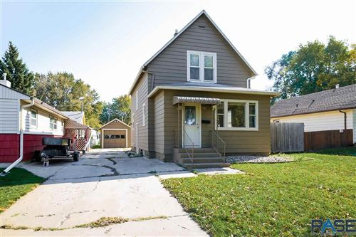 Photo of 930 N Sherman Ave, Sioux Falls, SD 57103 (MLS # 22106187)