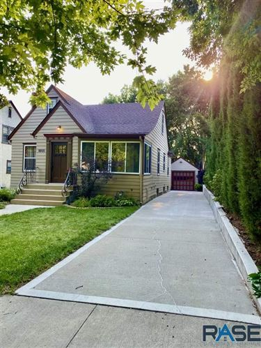Photo of 1805 S Main Ave, Sioux Falls, SD 57105 (MLS # 22106205)