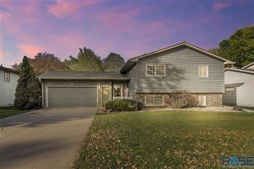 Photo of 5808 W 51st St, Sioux Falls, SD 57106 (MLS # 22106206)
