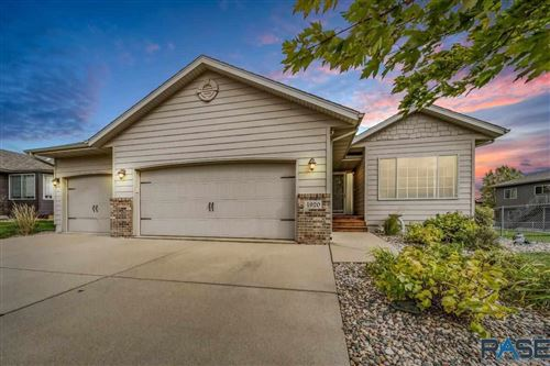 Photo of 4920 S Grinnell Ave, Sioux Falls, SD 57106 (MLS # 22106207)