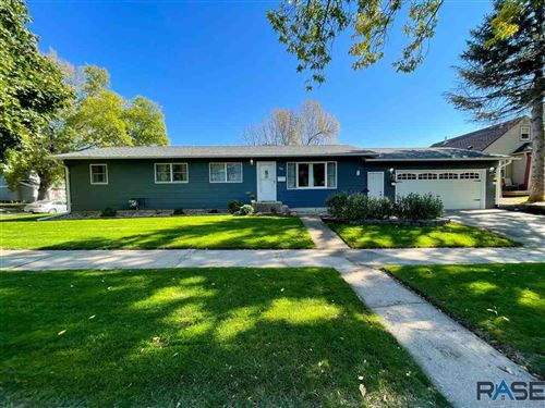 Photo of 800 S Menlo Ave, Sioux Falls, SD 57104 (MLS # 22106233)