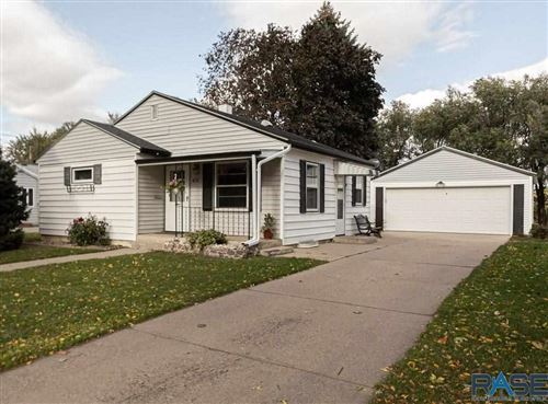 Photo of 612 N Leadale Ave, Sioux Falls, SD 57103 (MLS # 22106234)