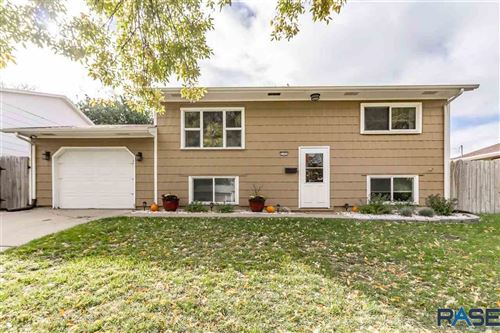 Photo of 2105 E Madison St, Sioux Falls, SD 57103 (MLS # 22106239)