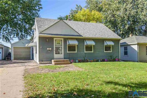 Photo of 825 S Williams Ave, Sioux Falls, SD 57104 (MLS # 22106247)