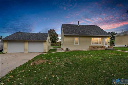 Photo of 710 N Highland Ave, Sioux Falls, SD 57103 (MLS # 22106250)