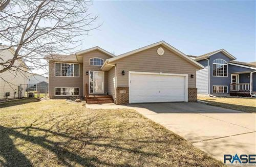 Photo of 7119 W 50th St, Sioux Falls, SD 57106 (MLS # 22106256)