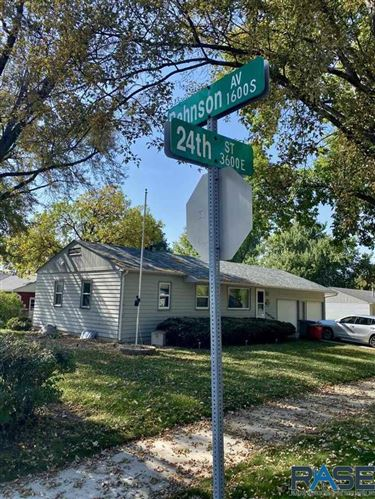 Photo of 3613 E 24th St, Sioux Falls, SD 57103 (MLS # 22106267)