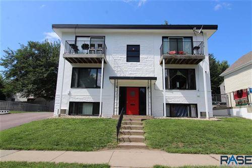 Photo of 1015 S Duluth Ave, Sioux Falls, SD 57101 (MLS # 22105323)