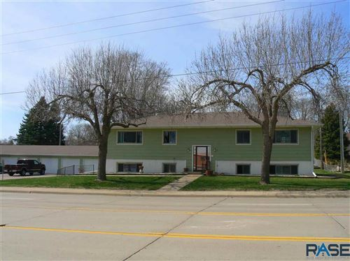 Photo of 3005 So. Cliff Ave, Sioux Falls, SD 57105 (MLS # 22101656)