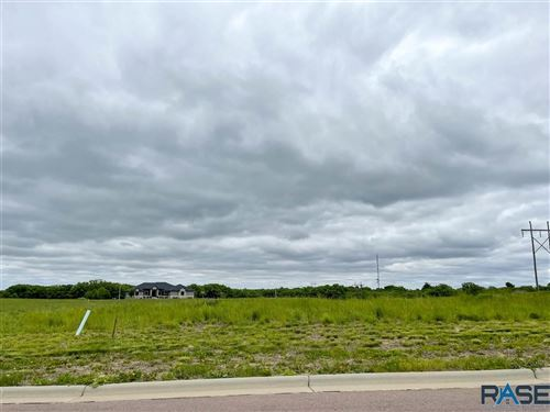 Photo of 5604 Chandler Dr, Sioux Falls, SD 57110 (MLS # 22101658)