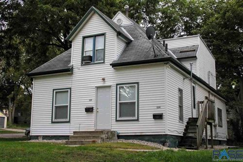 Photo of 529 S Menlo Ave, Sioux Falls, SD 57104 (MLS # 22105699)