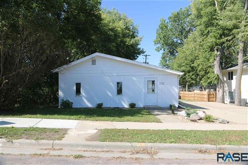 Photo of 535 S Summit Ave, Sioux Falls, SD 57104 (MLS # 22105745)