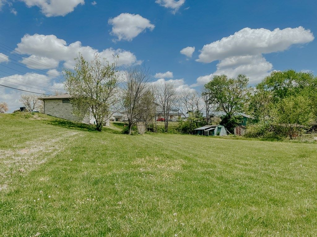 Photo of 305 Pine Mountain, Pigeon Forge, TN 37863 (MLS # 242044)